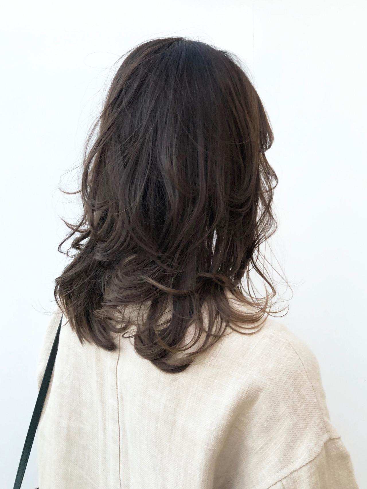 ミディアム ナチュラル 透明感カラー パーマ ヘアスタイルや髪型の写真・画像