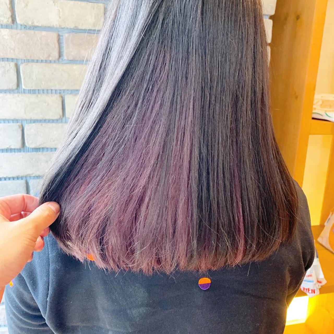 ピンクアッシュ ピンク グレージュ インナーカラー ヘアスタイルや髪型の写真・画像