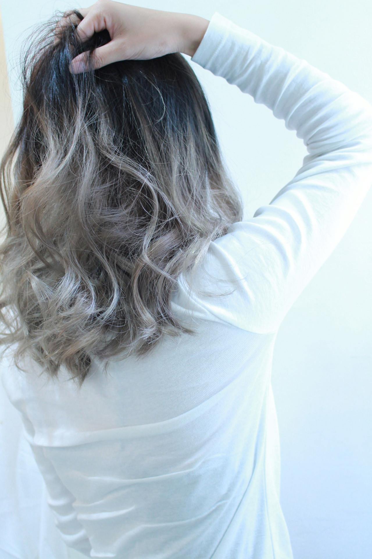 透明感 アッシュ ダブルカラー モード ヘアスタイルや髪型の写真・画像