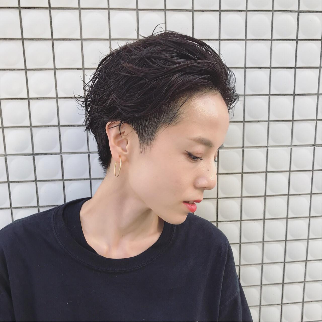 大人かわいい 黒髪 パーマ ショート ヘアスタイルや髪型の写真・画像 | 馬橋達佳 / log