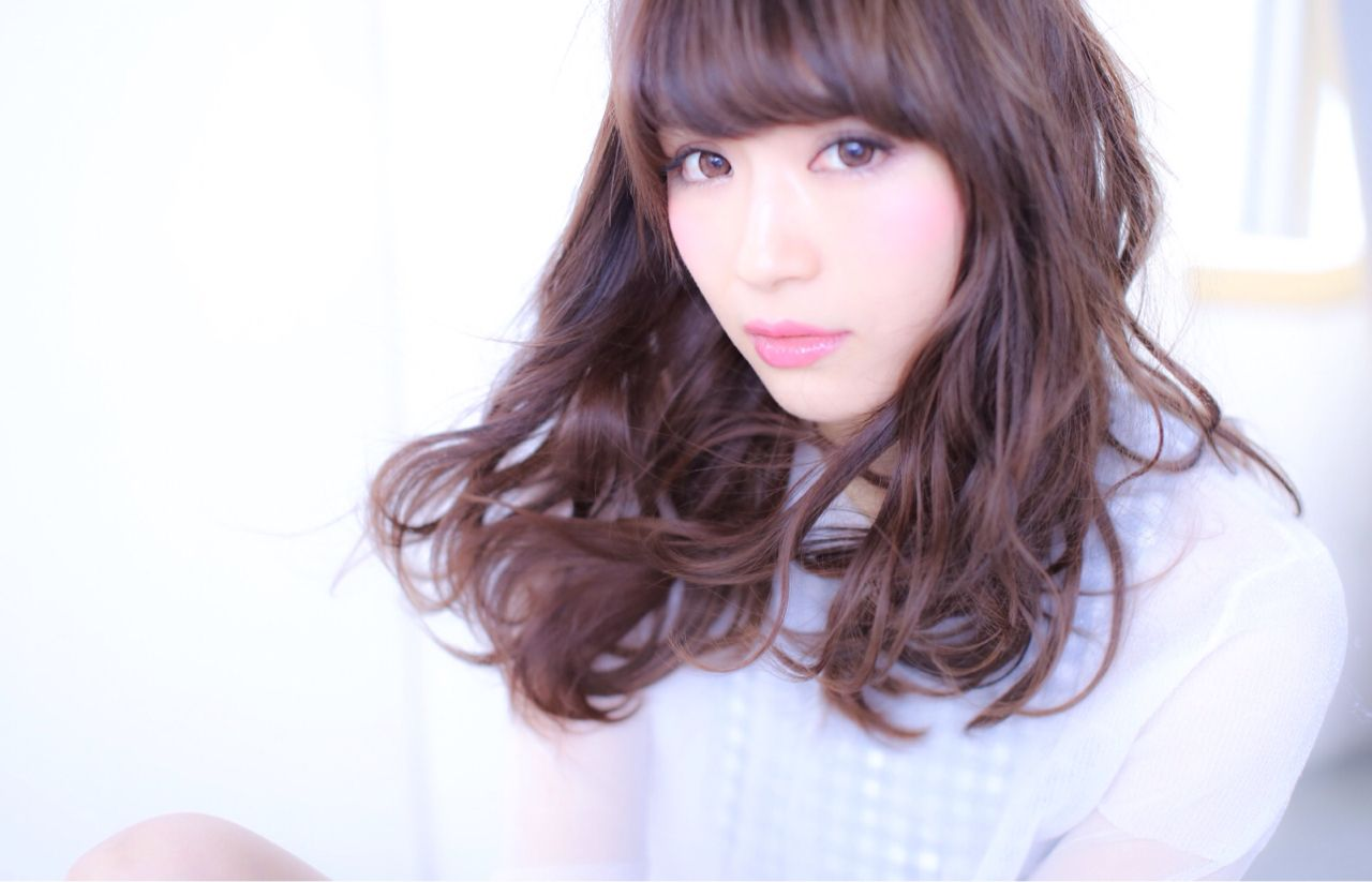 ミディアム モテ髪 コンサバ フェミニン ヘアスタイルや髪型の写真・画像