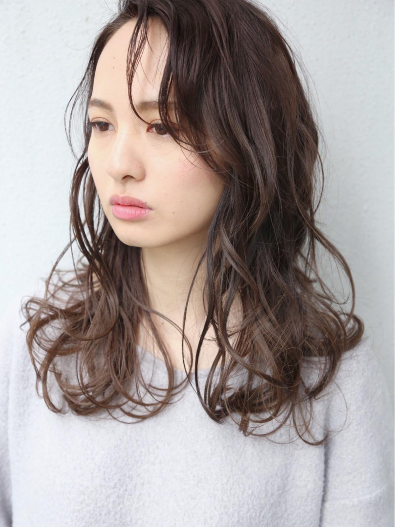 外国人風 大人かわいい パーマ ナチュラル ヘアスタイルや髪型の写真・画像