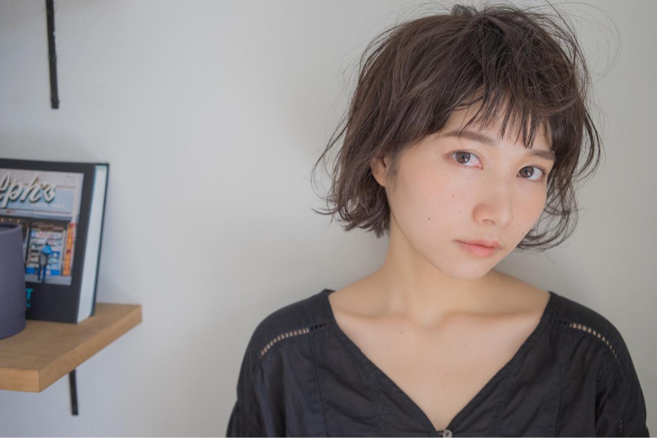 大人女子 小顔 色気 パーマ ヘアスタイルや髪型の写真・画像