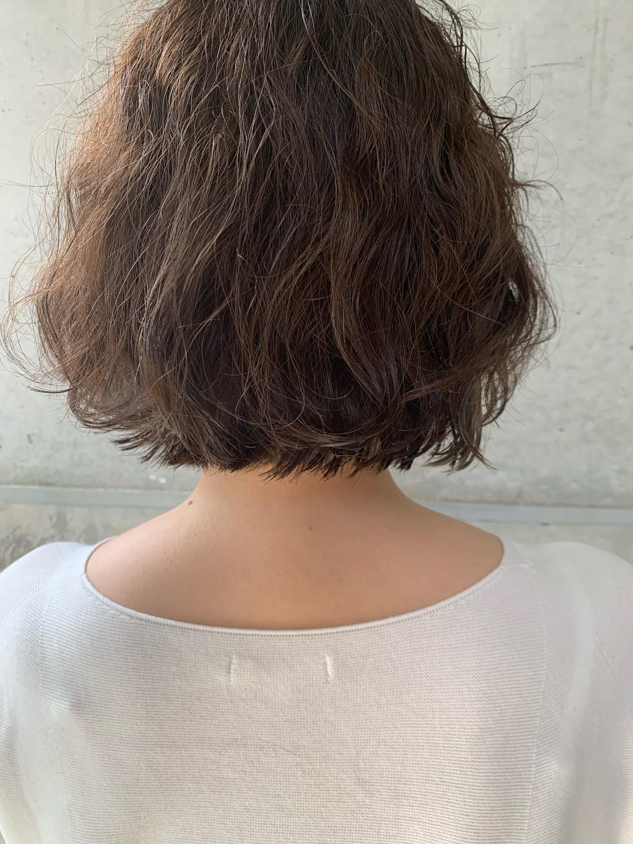 イルミナカラー インナーカラー 切りっぱなしボブ 大人ヘアスタイル ヘアスタイルや髪型の写真・画像   堀口 由香利 / atelier Sienna