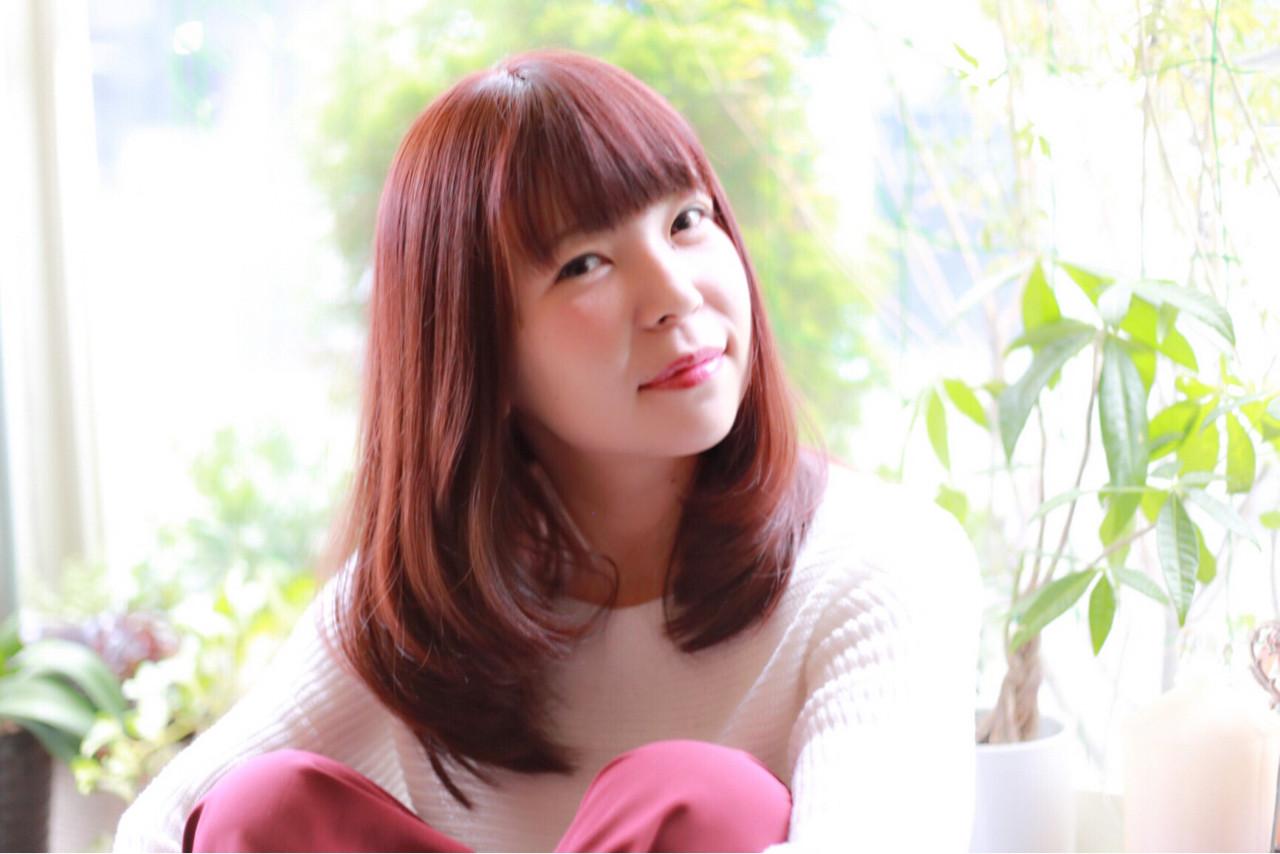 フェミニン かわいい ベリーピンク 重ため ヘアスタイルや髪型の写真・画像