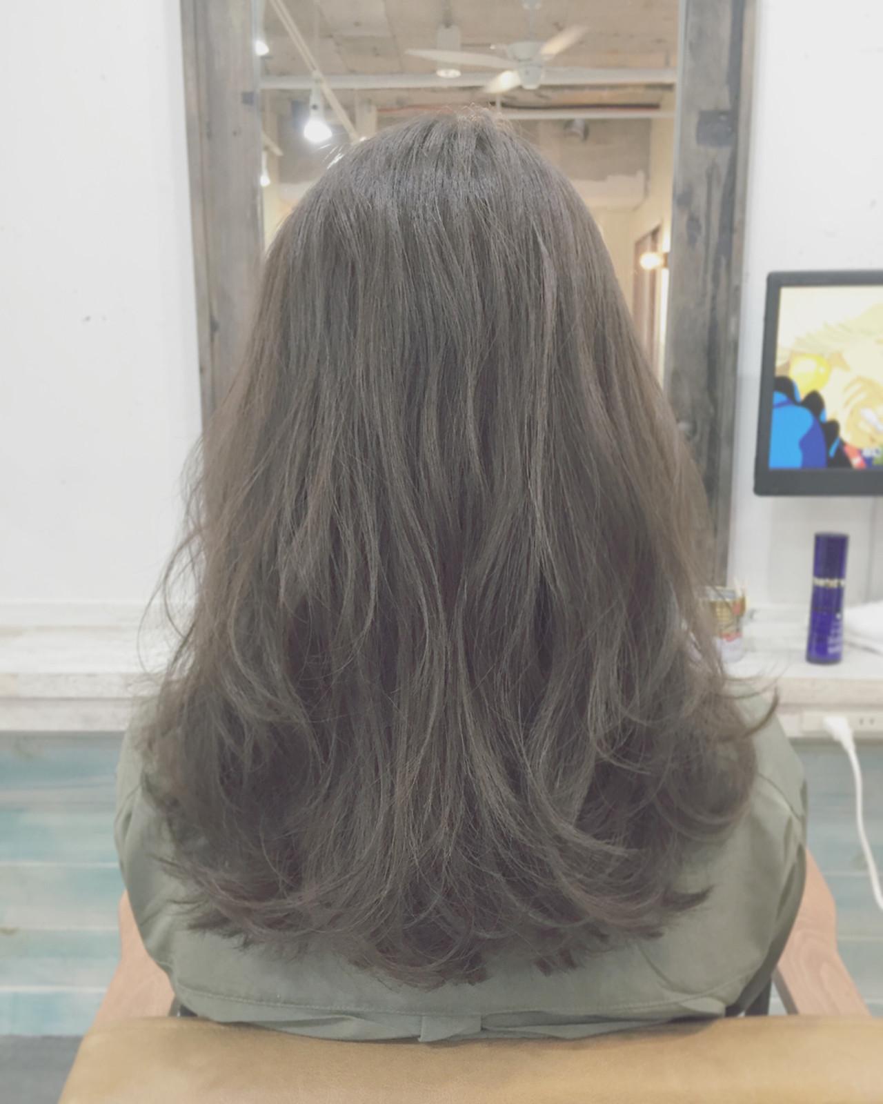 暗髪 ストリート グラデーションカラー 外国人風 ヘアスタイルや髪型の写真・画像 | 安達 優生 / U-REALM(ユーレルム)