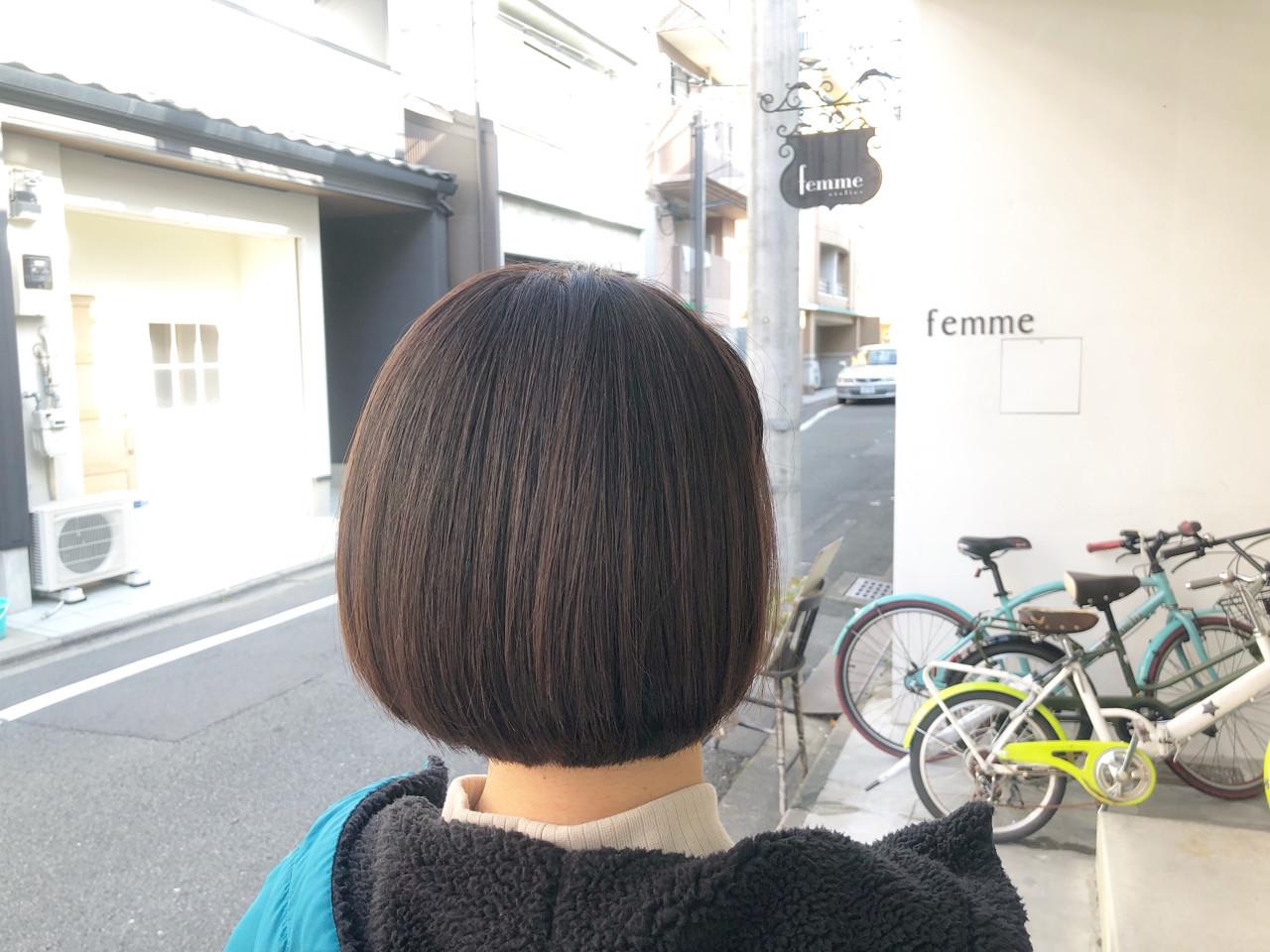 ナチュラル オフィス 色気 グレージュ ヘアスタイルや髪型の写真・画像