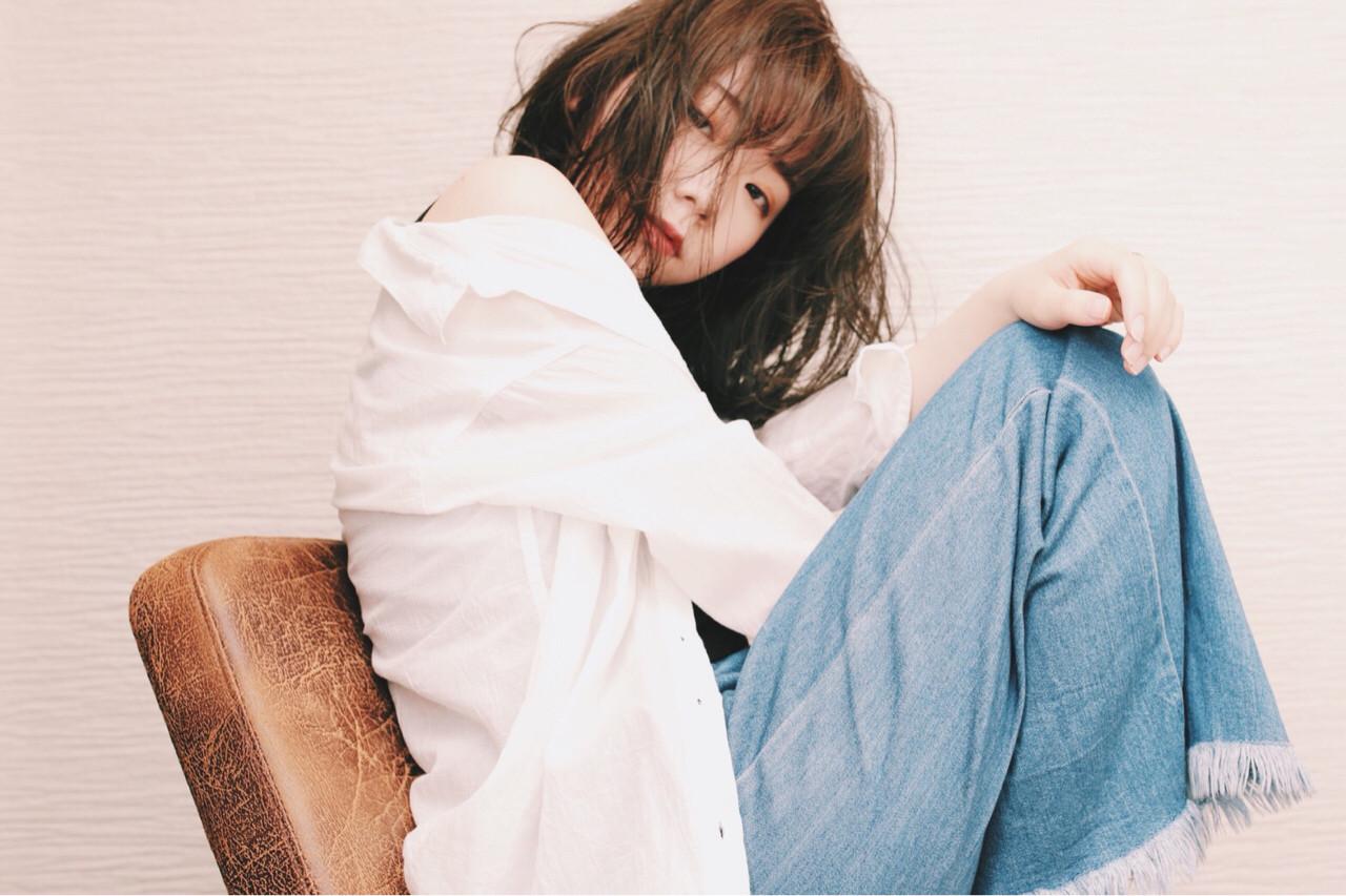グレージュ 抜け感 大人女子 ミディアム ヘアスタイルや髪型の写真・画像 | risa /