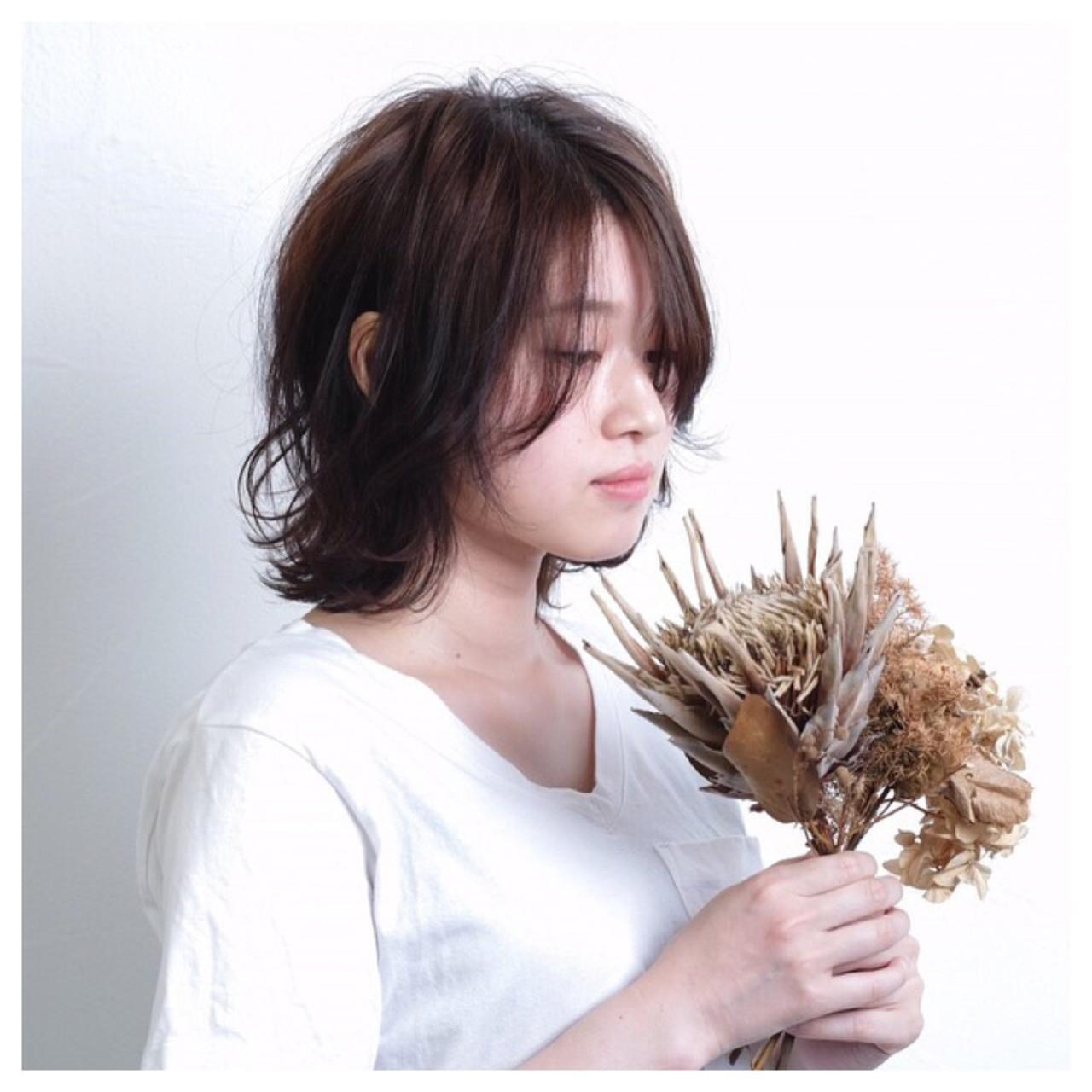 小顔 こなれ感 ボブ ナチュラル ヘアスタイルや髪型の写真・画像 | Emiko Nakanishi / MAULOA