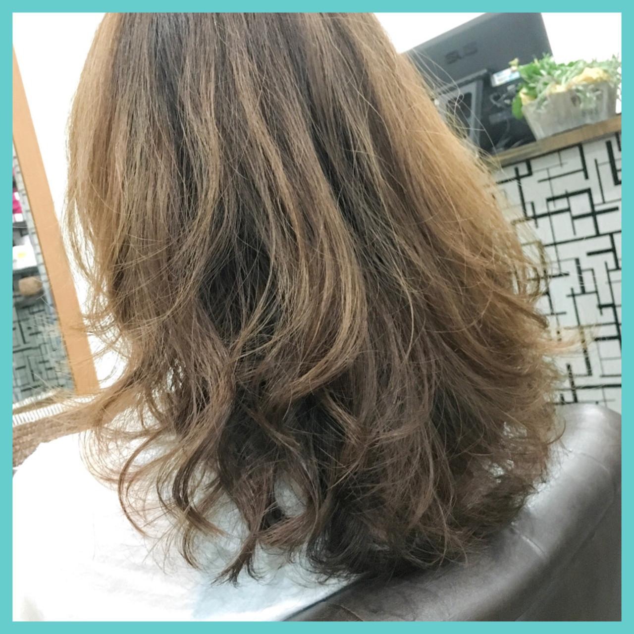 パーマ デジタルパーマ ナチュラル 外国人風 ヘアスタイルや髪型の写真・画像 | 中村真一 / hair make No.8 宮崎市