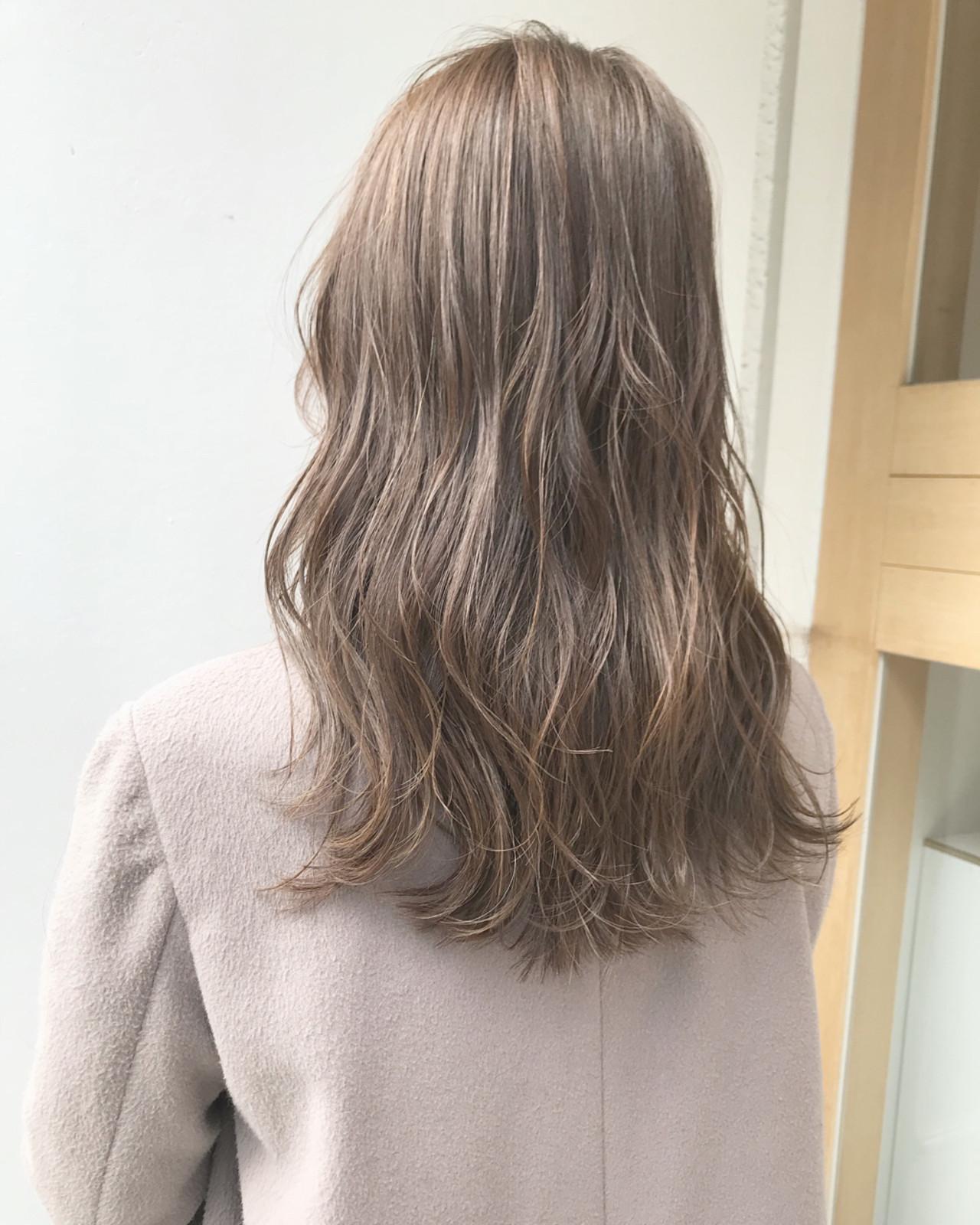 ナチュラル グレージュ セミロング ヘアアレンジ ヘアスタイルや髪型の写真・画像 | SHUN / NOE SALON