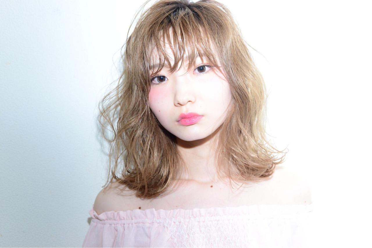 ピュア ミディアム パーマ ストリート ヘアスタイルや髪型の写真・画像