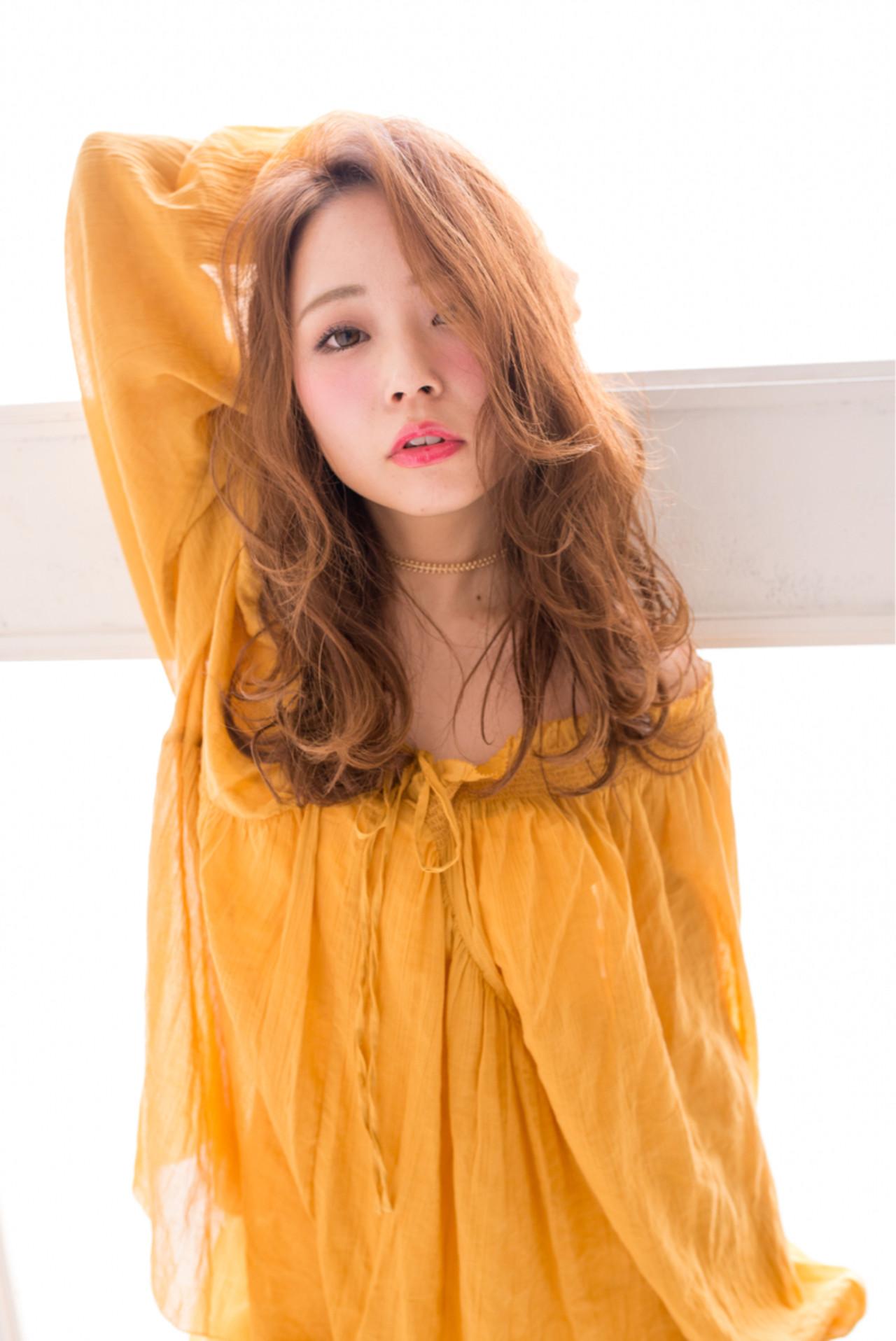 フェミニン 前髪あり パーマ ヘアアレンジ ヘアスタイルや髪型の写真・画像