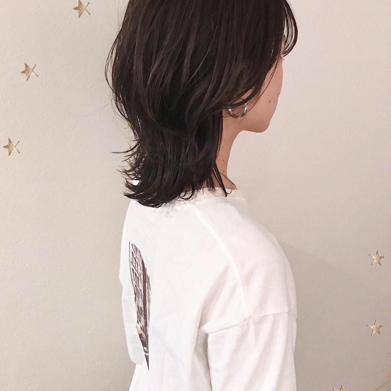 ゆるナチュラル ミディアム ウルフカット ゆる巻き ヘアスタイルや髪型の写真・画像