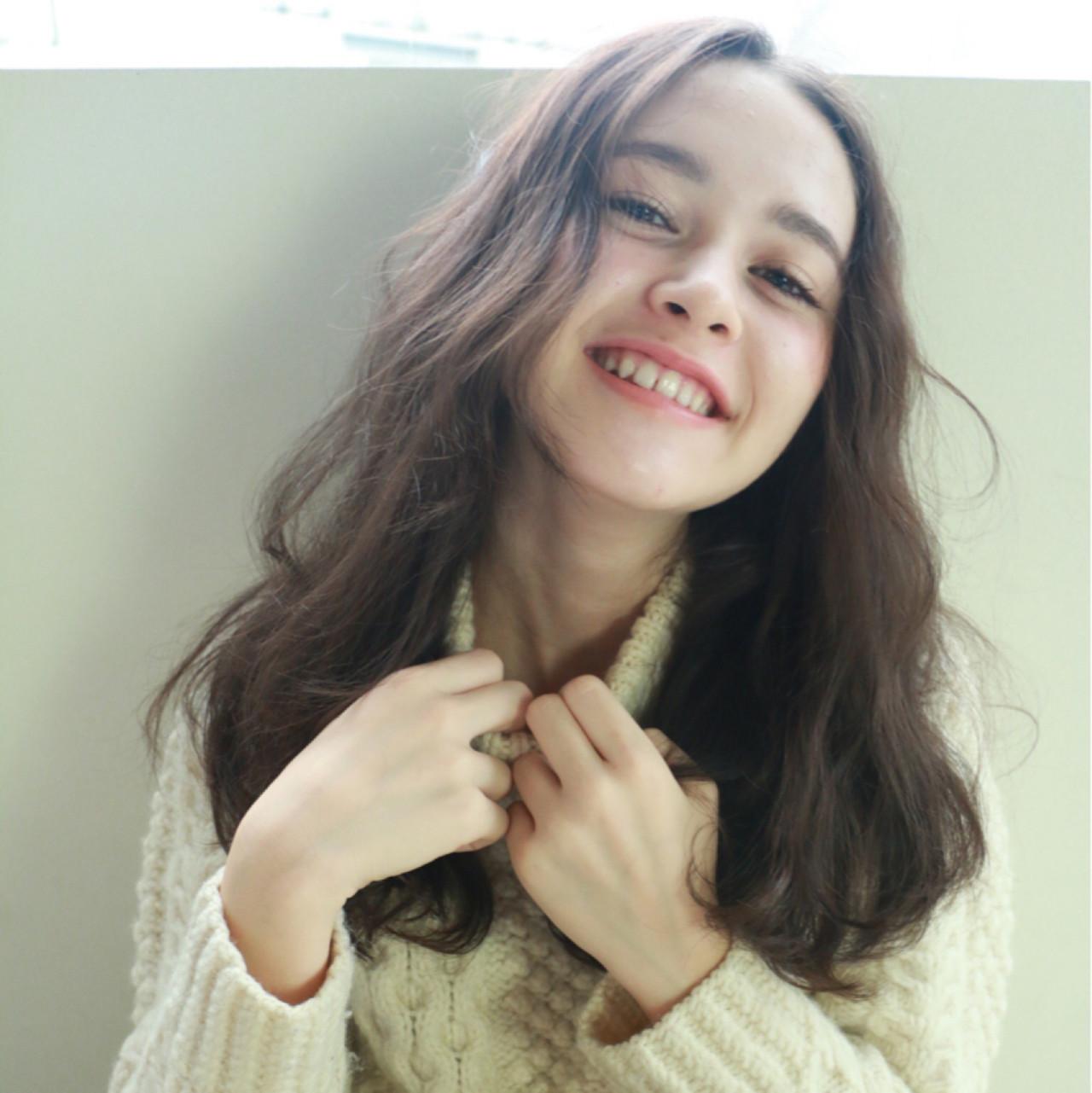 ロング 外国人風 パーマ フェミニン ヘアスタイルや髪型の写真・画像 | 高橋 忍 / nanuk渋谷店(ナヌーク)