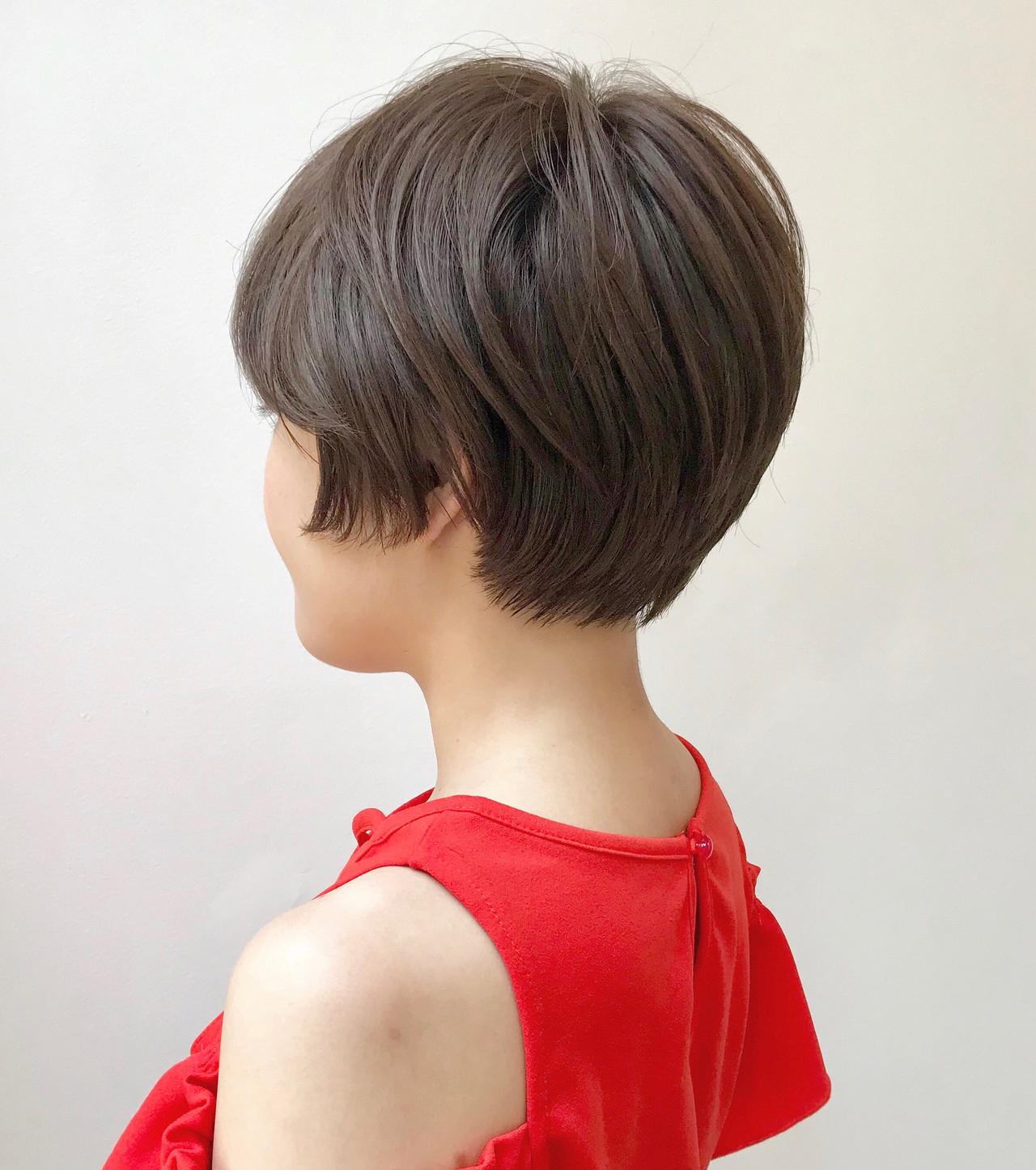 アッシュベージュ ショートボブ ショート ナチュラル ヘアスタイルや髪型の写真・画像