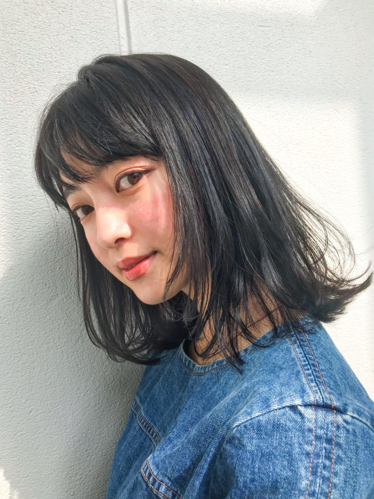 ゆるふわ 前髪あり 黒髪 フェミニン ヘアスタイルや髪型の写真・画像