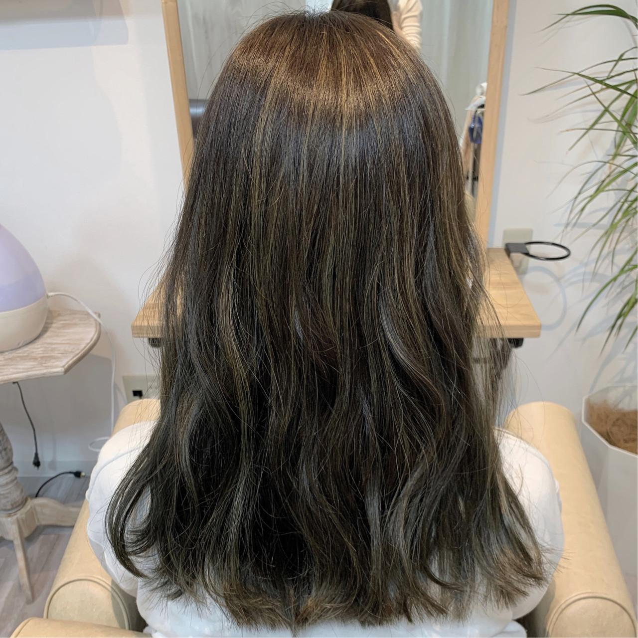 大人ハイライト フェミニン ハイライト マットグレージュ ヘアスタイルや髪型の写真・画像