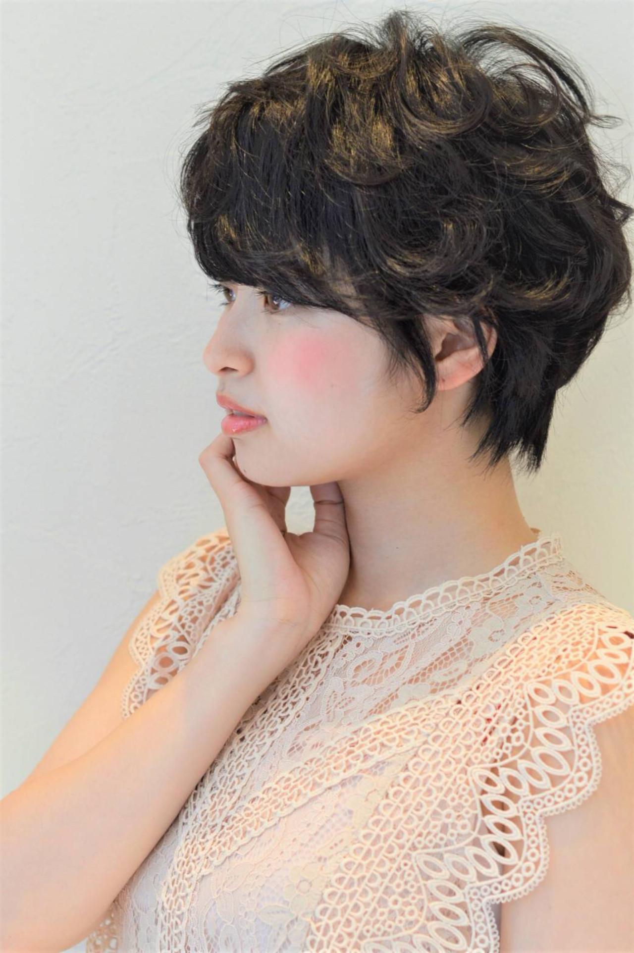 ショート ナチュラル 黒髪 グレー ヘアスタイルや髪型の写真・画像