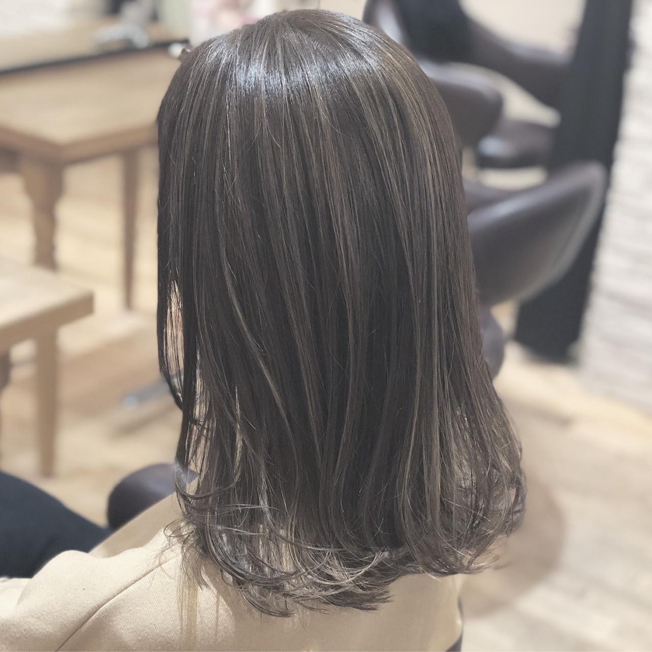 こなれ感 ハイライト 大人かわいい ミディアム ヘアスタイルや髪型の写真・画像   須賀 ユウスケ / Rizm
