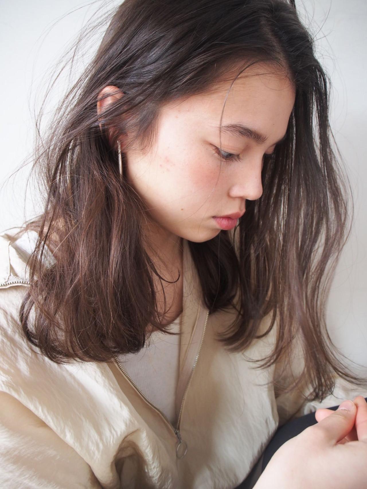 アッシュ ナチュラル 抜け感 外国人風 ヘアスタイルや髪型の写真・画像