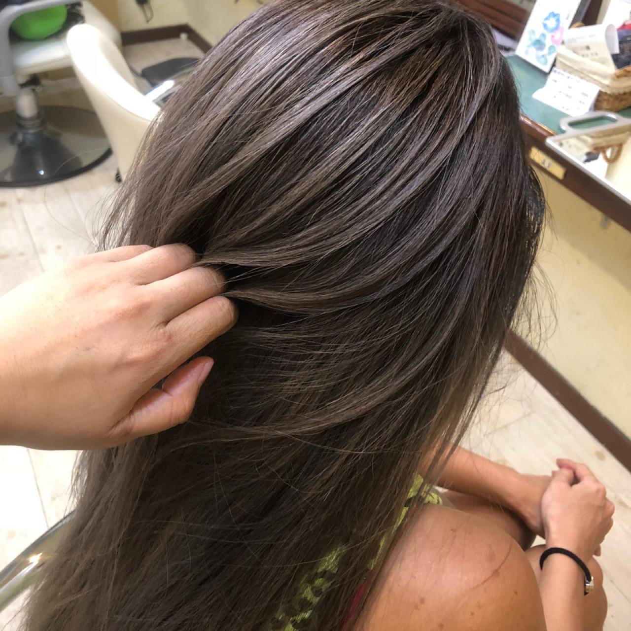 ロング 女子力 外国人風カラー アッシュ ヘアスタイルや髪型の写真・画像 | TMe hair/tomoe chiba / TMe hair川崎小田