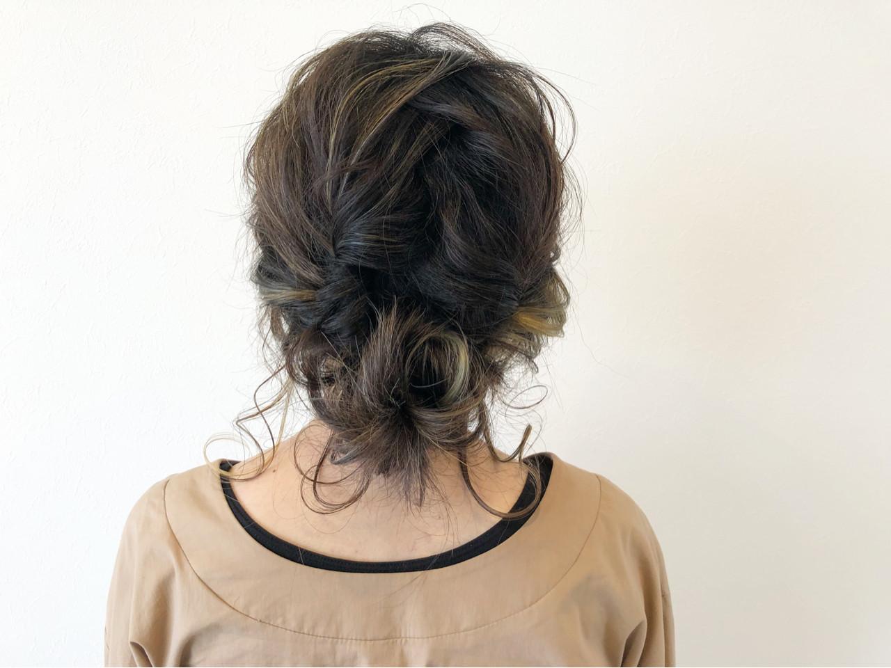 編み込み ヘアアレンジ ミディアム ナチュラル ヘアスタイルや髪型の写真・画像