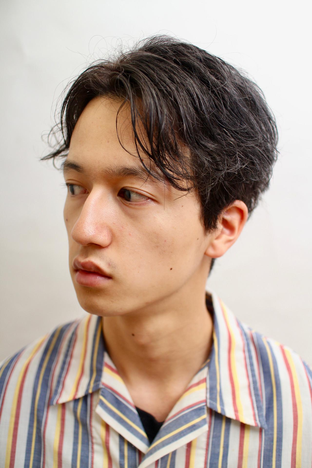軟毛の髪質の男性
