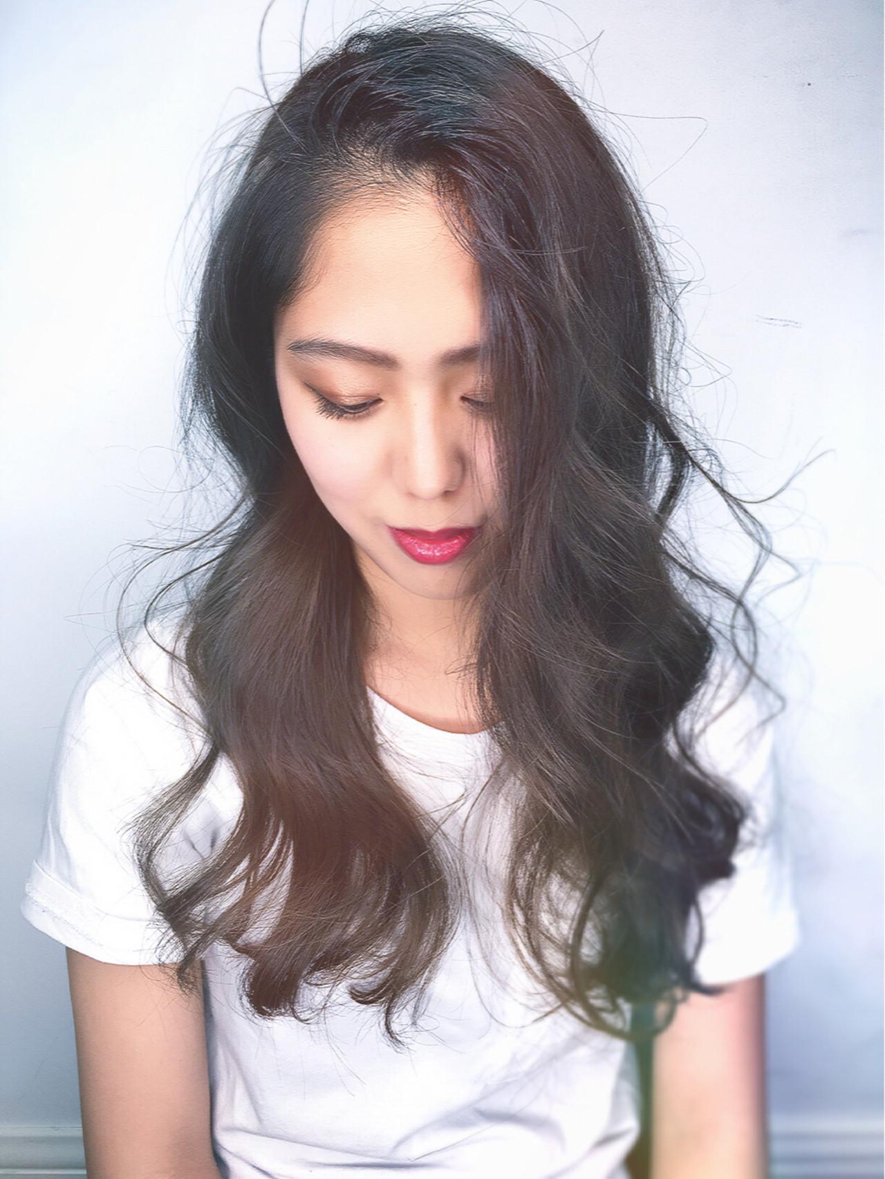 アッシュ ナチュラル 前髪あり ロング ヘアスタイルや髪型の写真・画像 | 筒井 隆由 / Hair salon mode