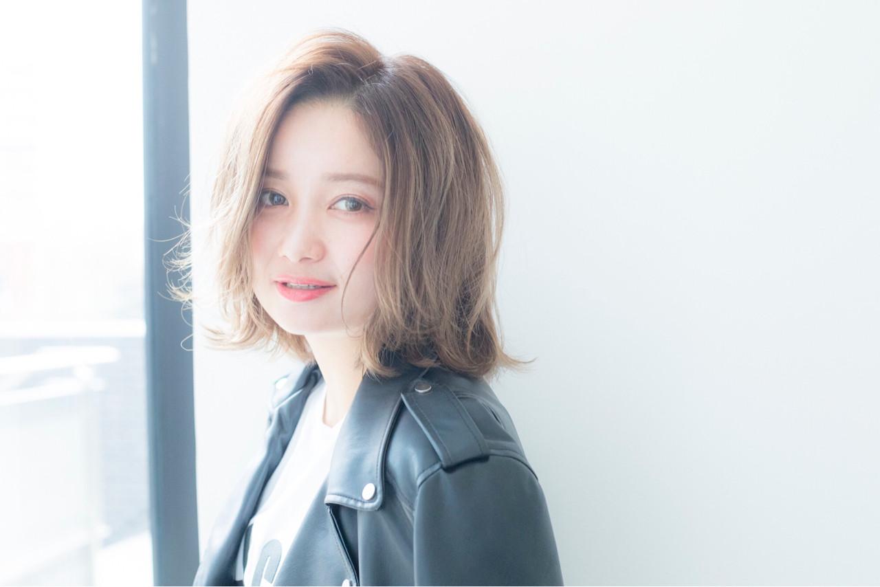 大人女子 ニュアンス ミディアム 小顔 ヘアスタイルや髪型の写真・画像 | 宮本 誉志成 / Euphoria SHIBUYA GRANDE