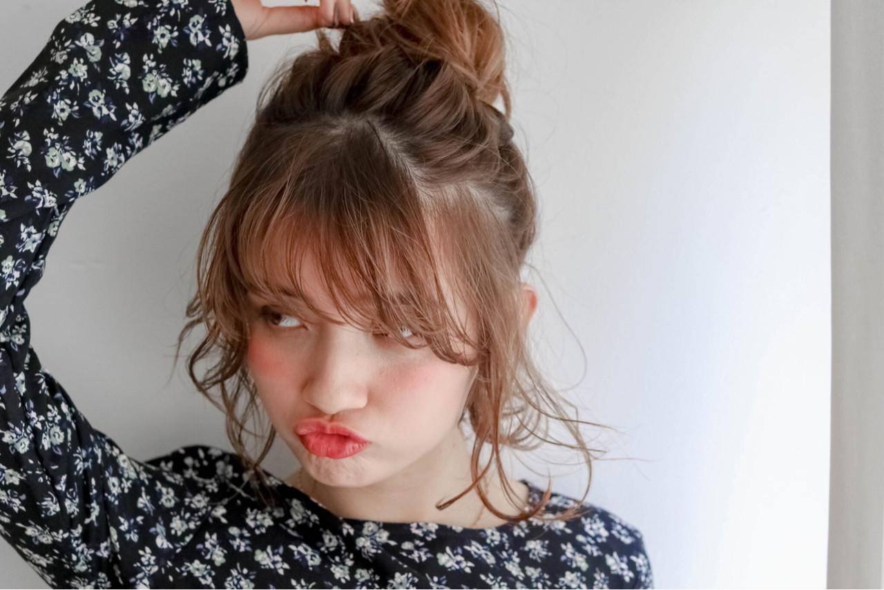 ミディアム 前髪あり 簡単ヘアアレンジ ガーリー ヘアスタイルや髪型の写真・画像