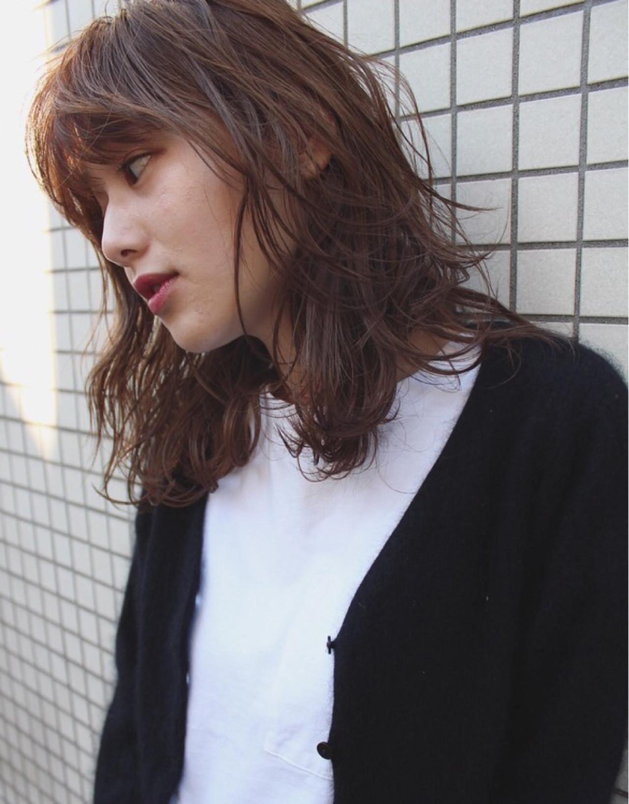 ウェーブ ストリート ゆるふわ 大人かわいい ヘアスタイルや髪型の写真・画像 | AKIRA HASUNUMA / ILLATOS hair salon