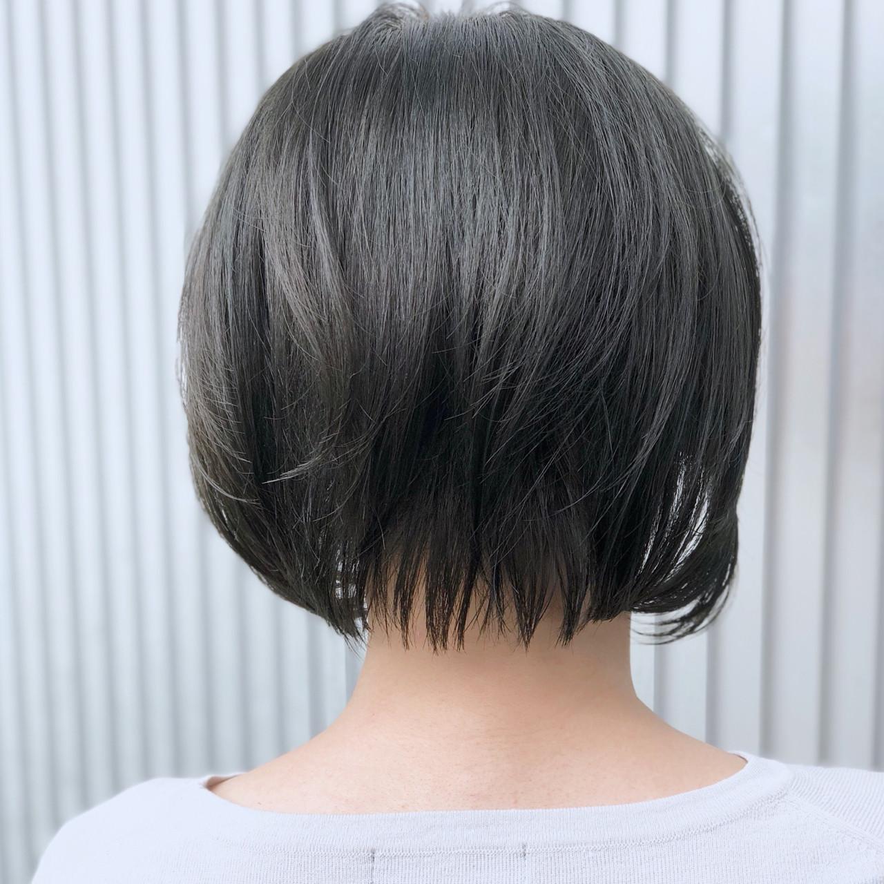 ショート 透明感 グレージュ ナチュラル ヘアスタイルや髪型の写真・画像