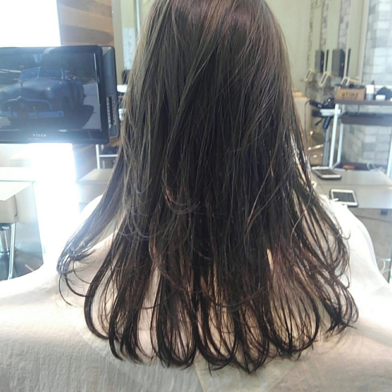 ナチュラル ルーズ アッシュ 透明感 ヘアスタイルや髪型の写真・画像