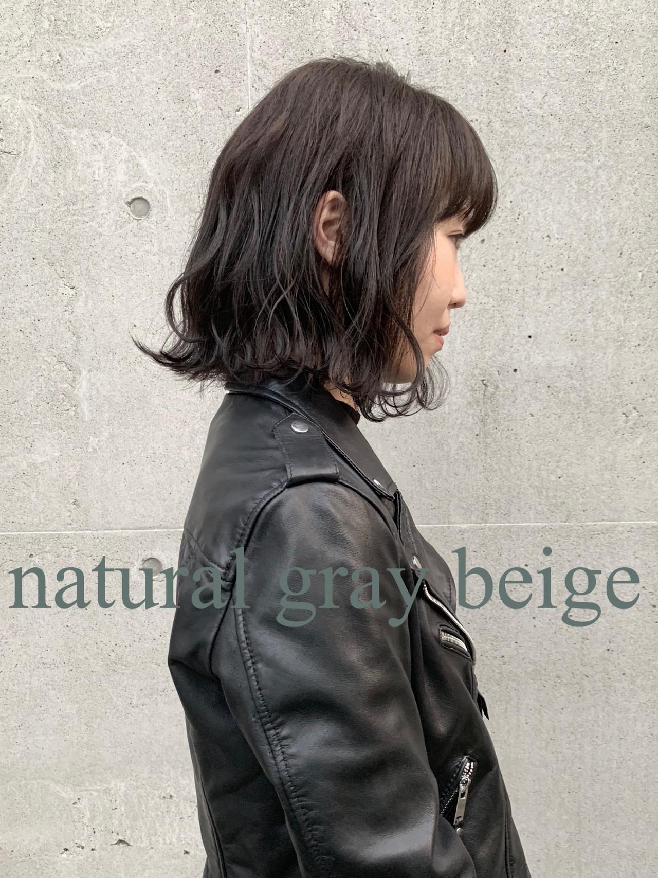 グレージュ アッシュグレージュ ストリート アッシュ ヘアスタイルや髪型の写真・画像