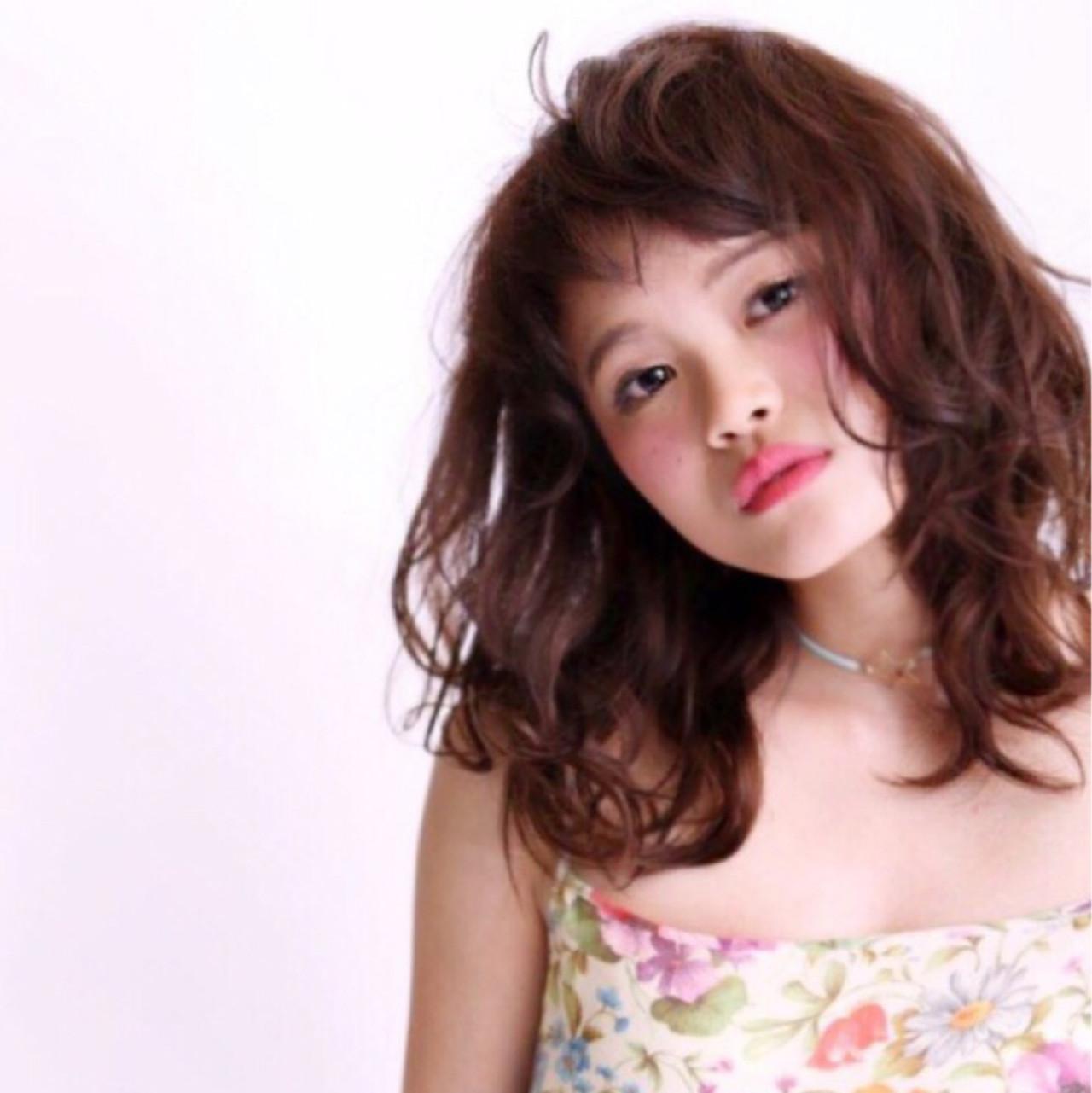 アッシュ ミディアム フェミニン 外国人風 ヘアスタイルや髪型の写真・画像