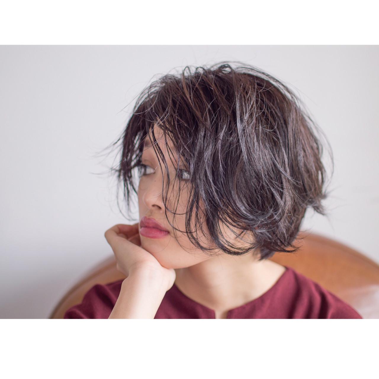 パーマ 前髪なし モード ナチュラル ヘアスタイルや髪型の写真・画像