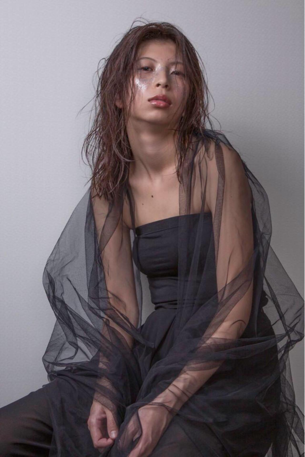 セミロング クール ウェット 作品 ヘアスタイルや髪型の写真・画像