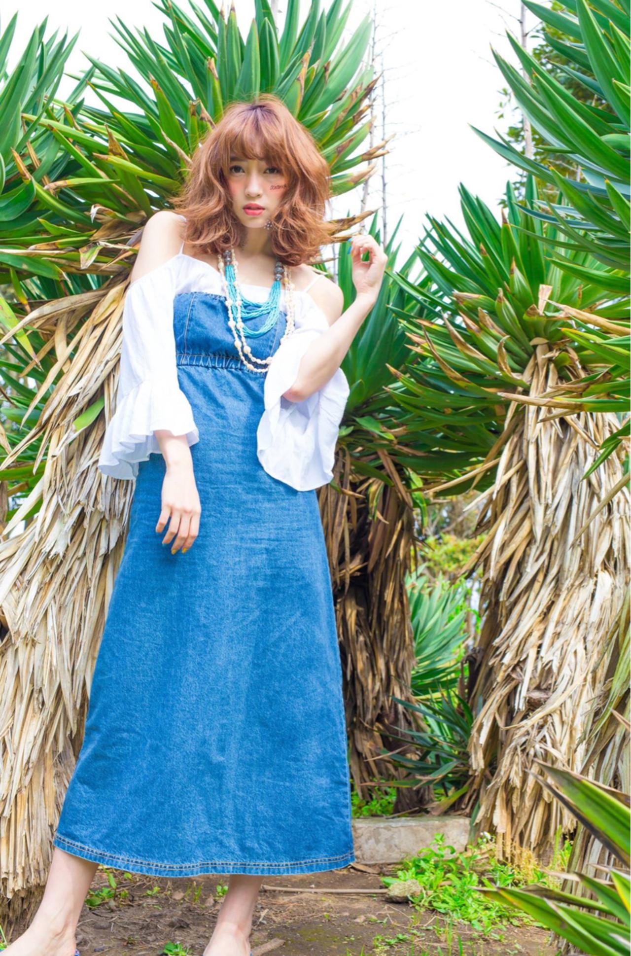 フェミニン 外国人風 アッシュ カール ヘアスタイルや髪型の写真・画像