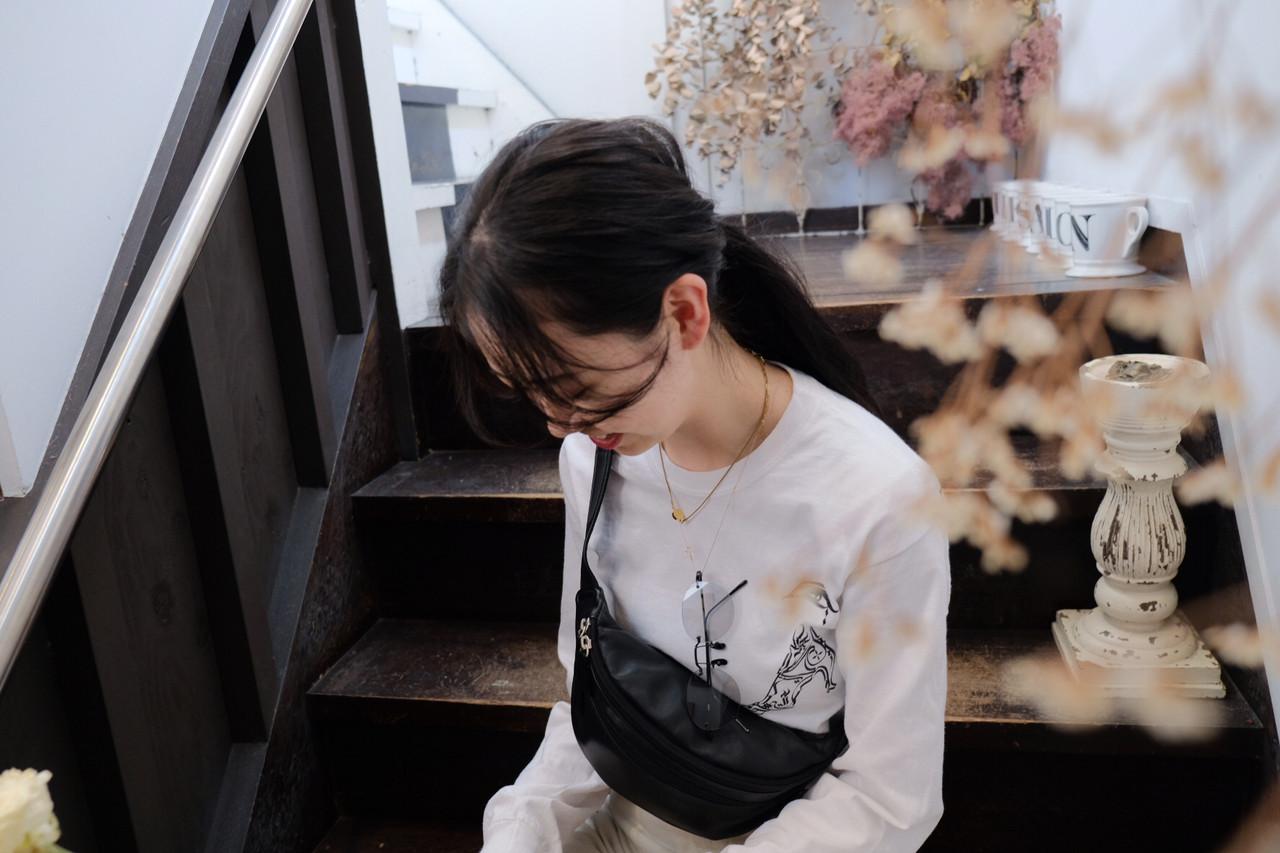 シースルーバング 黒髪 ロング 束感バング ヘアスタイルや髪型の写真・画像