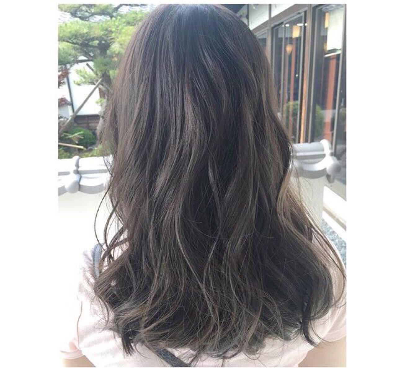 外国人風カラー グレージュ ハイライト ロング ヘアスタイルや髪型の写真・画像 | ワタナベ / Hair make  Rin