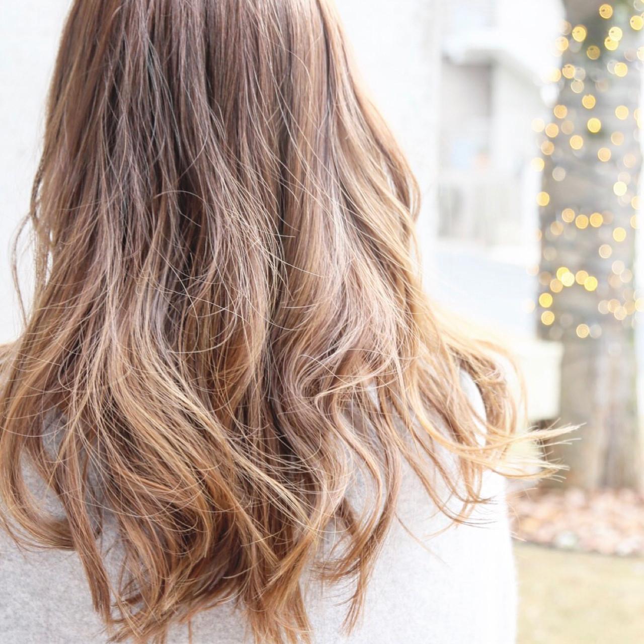 ロング アッシュ ニュアンス ハイライト ヘアスタイルや髪型の写真・画像