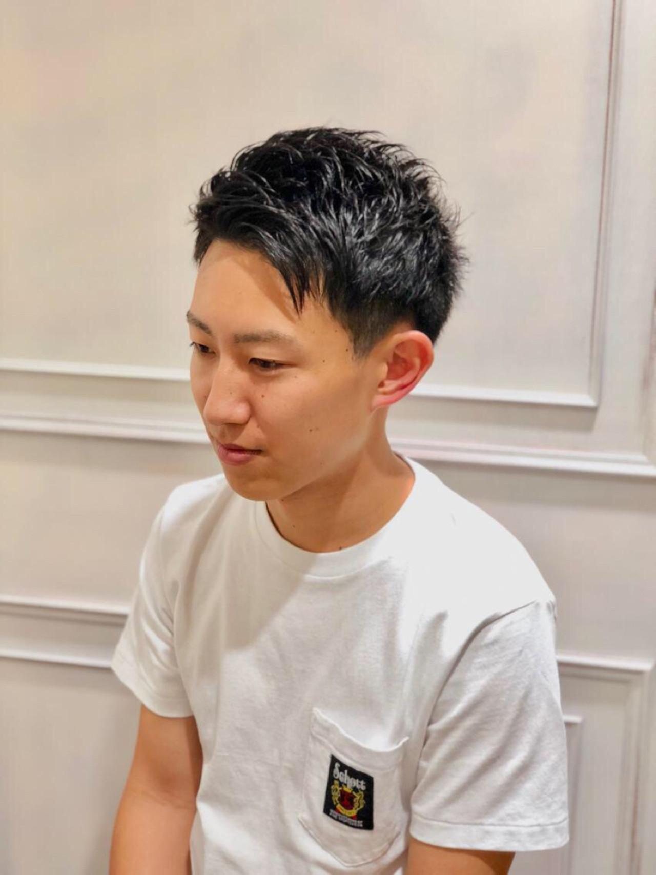 就活生の黒髪アップバングショートヘア