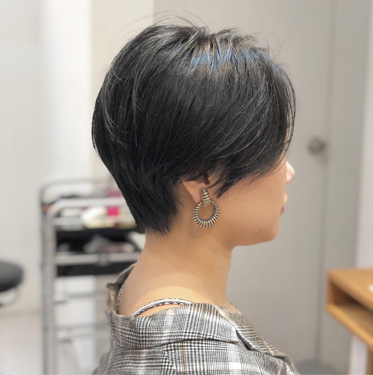 ショートボブ 大人かわいい ナチュラル ショート ヘアスタイルや髪型の写真・画像