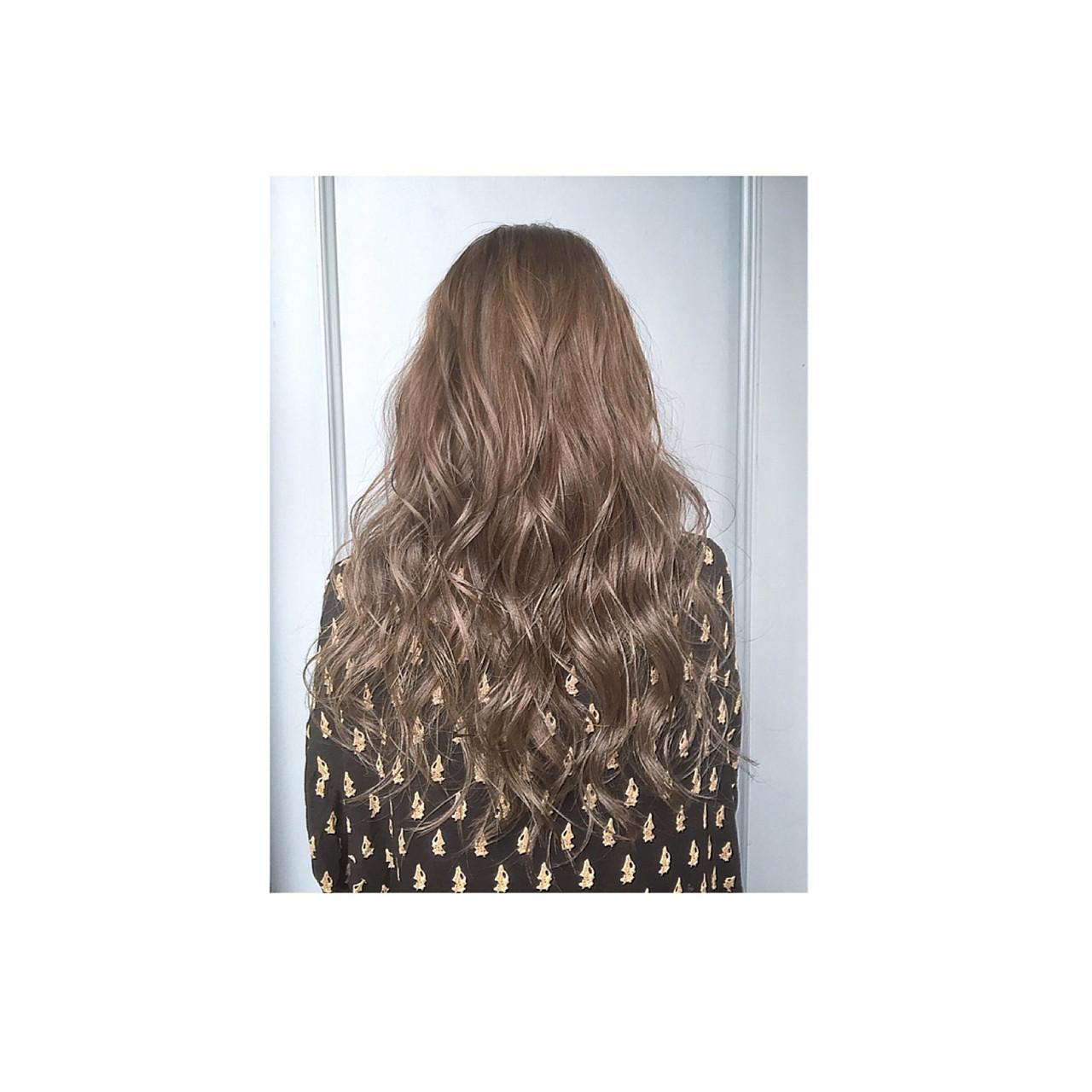 グラデーションカラー アッシュ ハイライト ロング ヘアスタイルや髪型の写真・画像   teddy / grauge hair