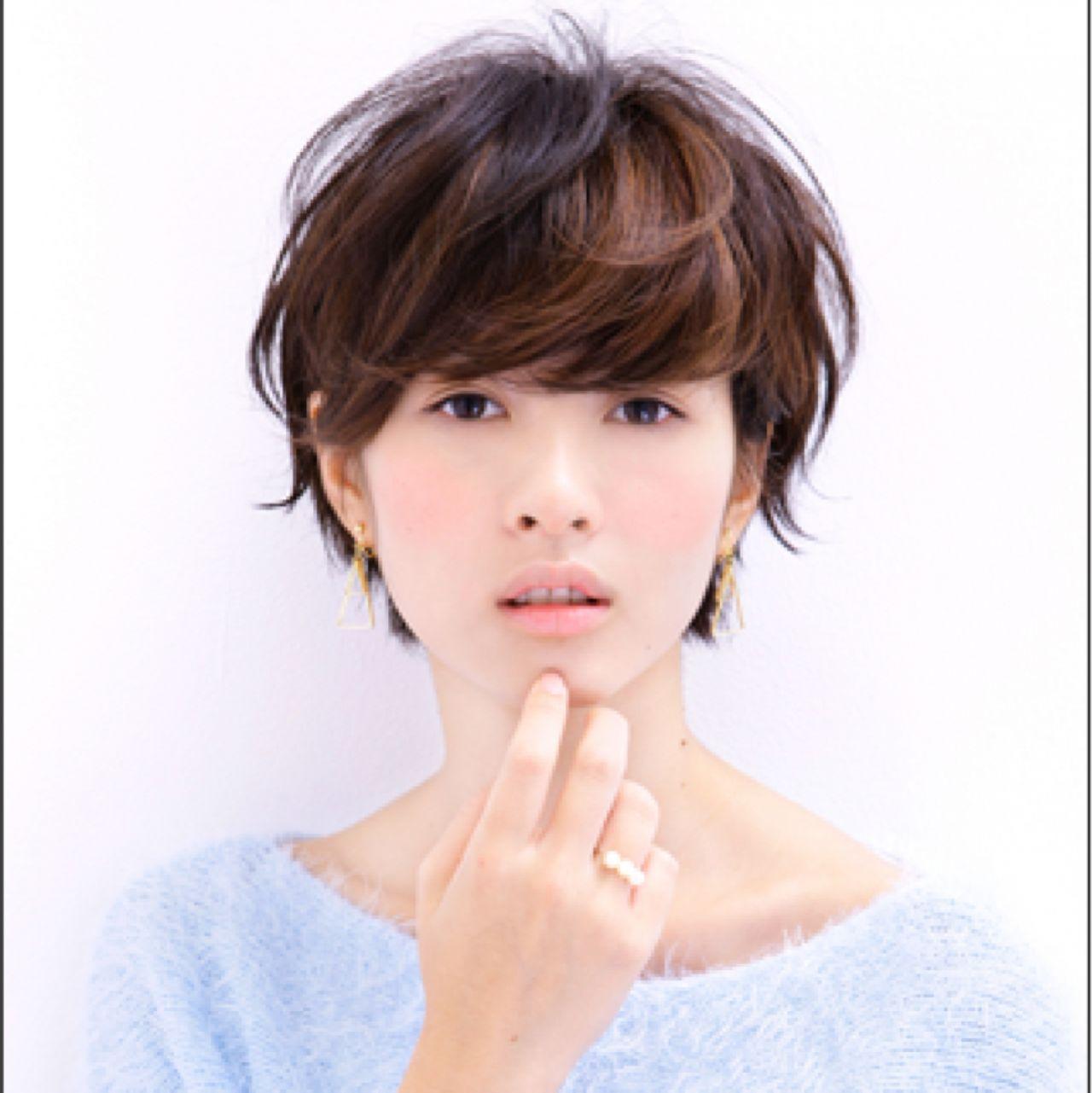 フェミニン ショート 大人かわいい ナチュラル ヘアスタイルや髪型の写真・画像   佐藤 可奈子 /