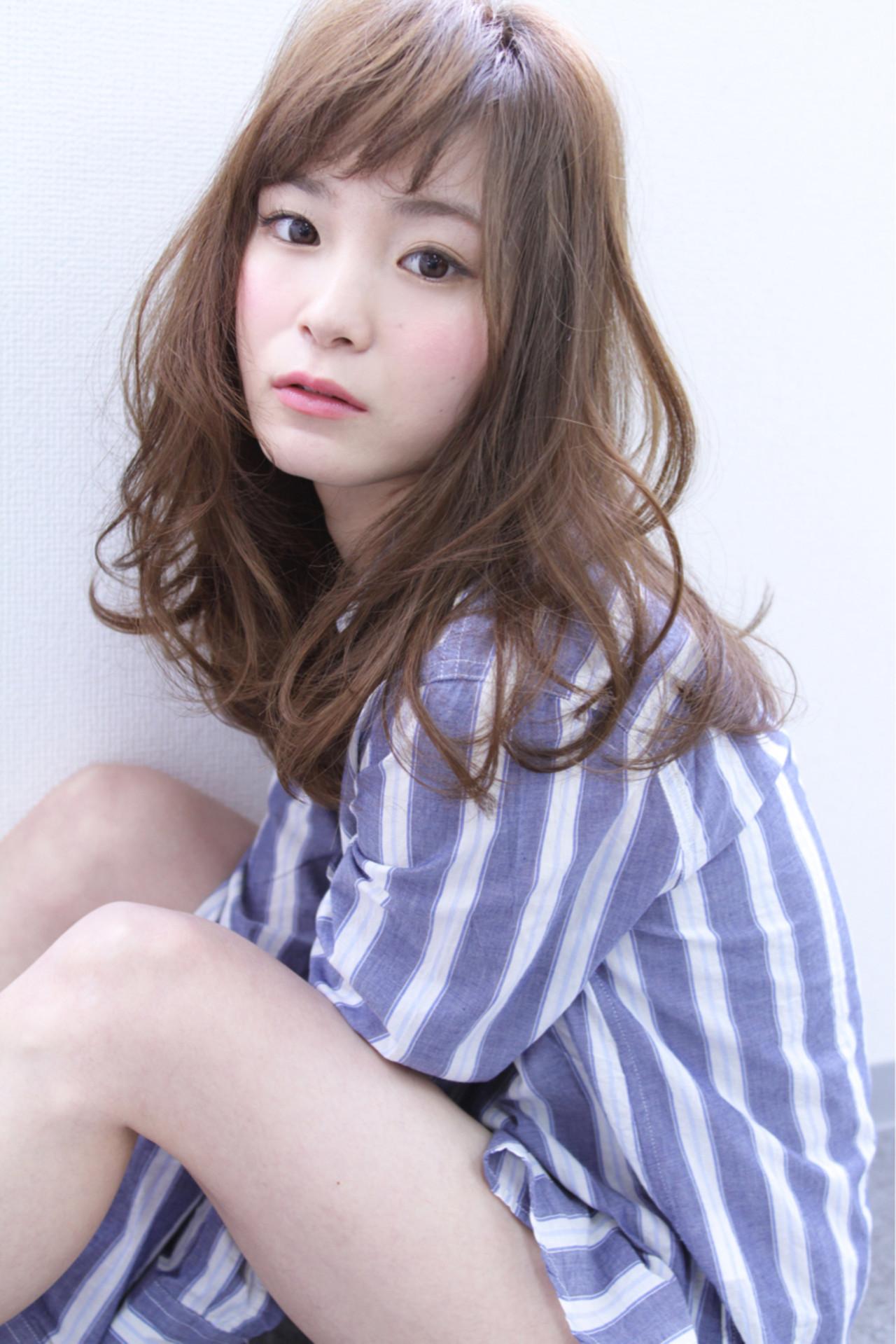 前髪あり フェミニン 大人かわいい パーマ ヘアスタイルや髪型の写真・画像