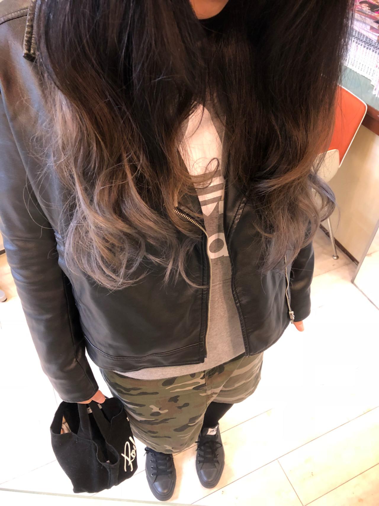 外国人風カラー グラデーションカラー グレージュ ロング ヘアスタイルや髪型の写真・画像