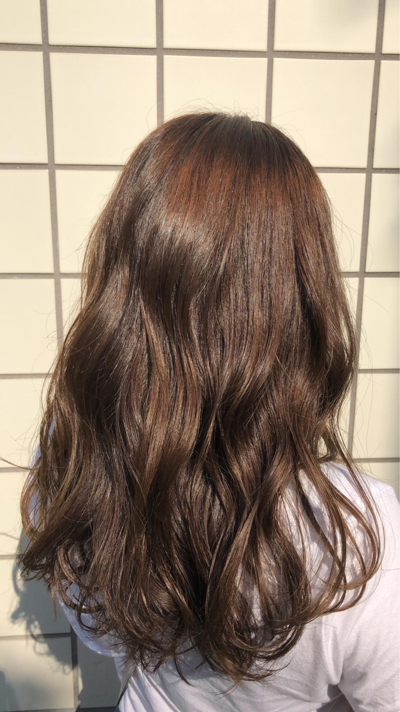 ブラウンベージュ 秋 秋ブラウン セミロング ヘアスタイルや髪型の写真・画像