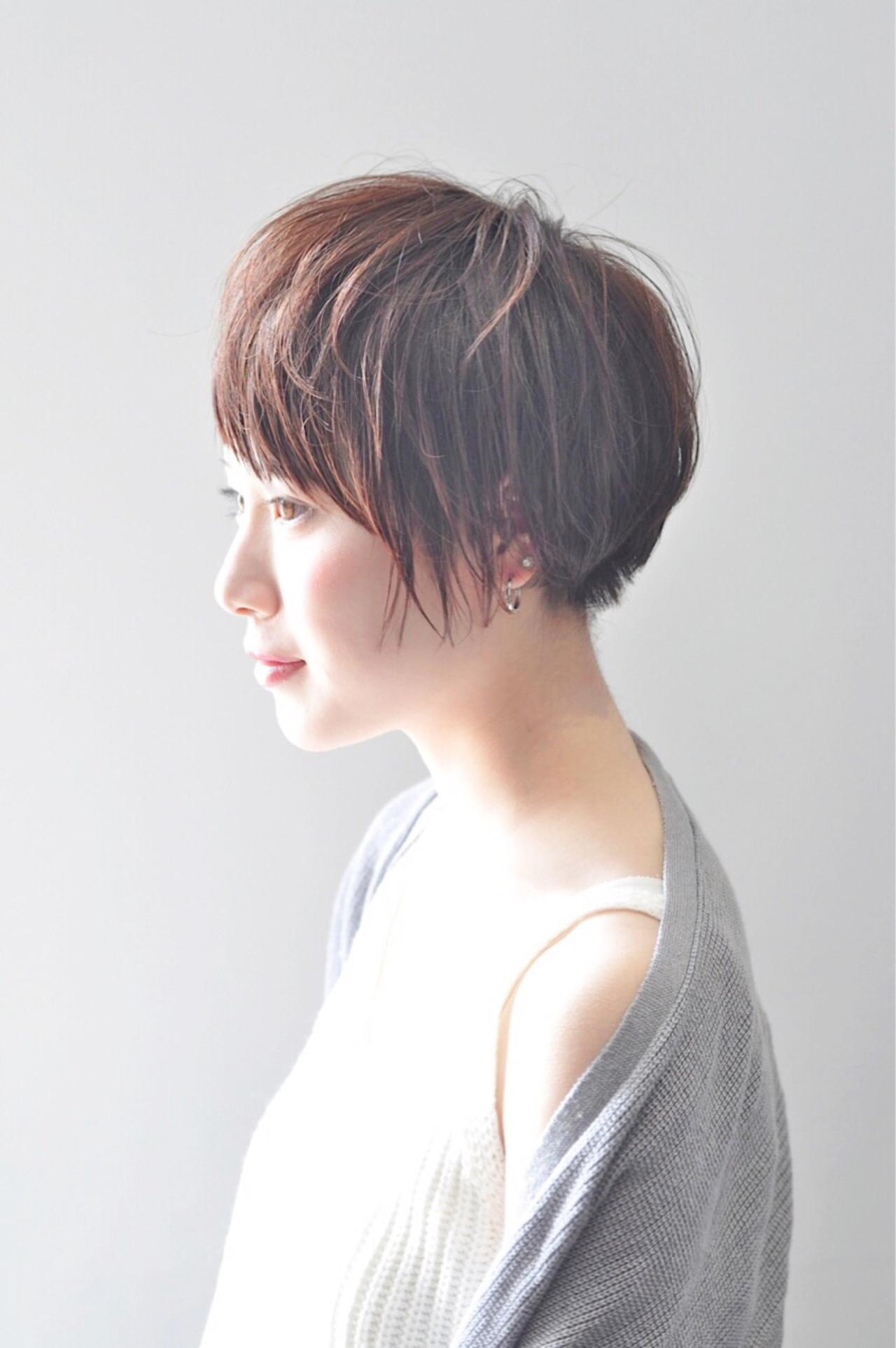 アッシュ パーマ ナチュラル 前髪あり ヘアスタイルや髪型の写真・画像